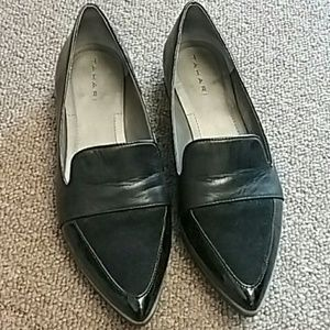 Tahari loafer